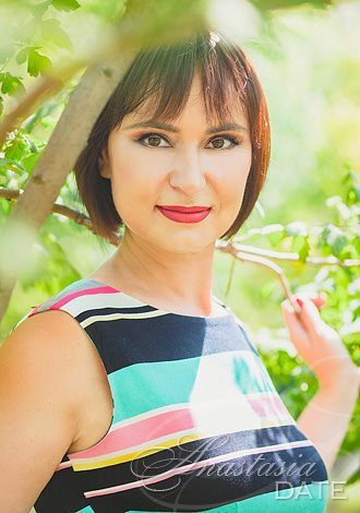 Date the woman of your dreams: Moldova woman Larisa from Tiraspol